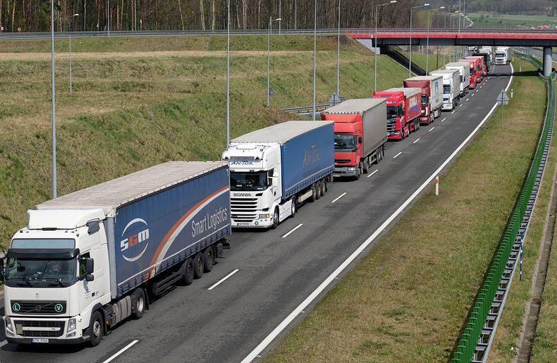 W branży transportowej pracuje ponad 0,5 mln ludzi. Zarabiają na ogół najniższą krajową plus dodatki, diety i delegacje.