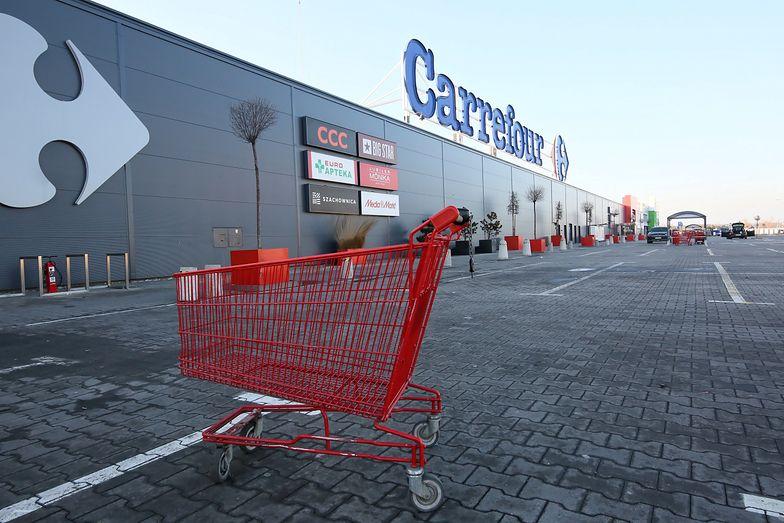 Carrefour wychodzi z Polski? Niełatwo będzie sprzedać sklepy