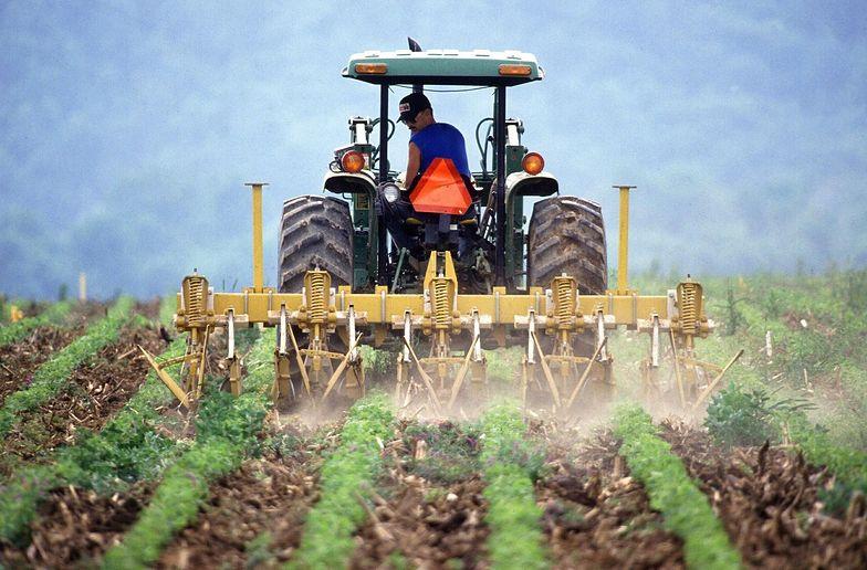 Rolnicy chcą powstrzymać masowe odralnianie gruntów na wsiach