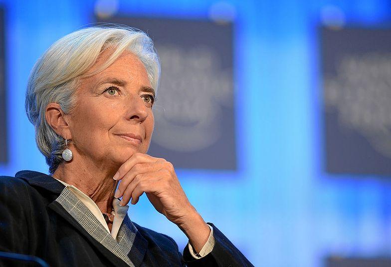 EBC w różowych okularach. Podnosi prognozy