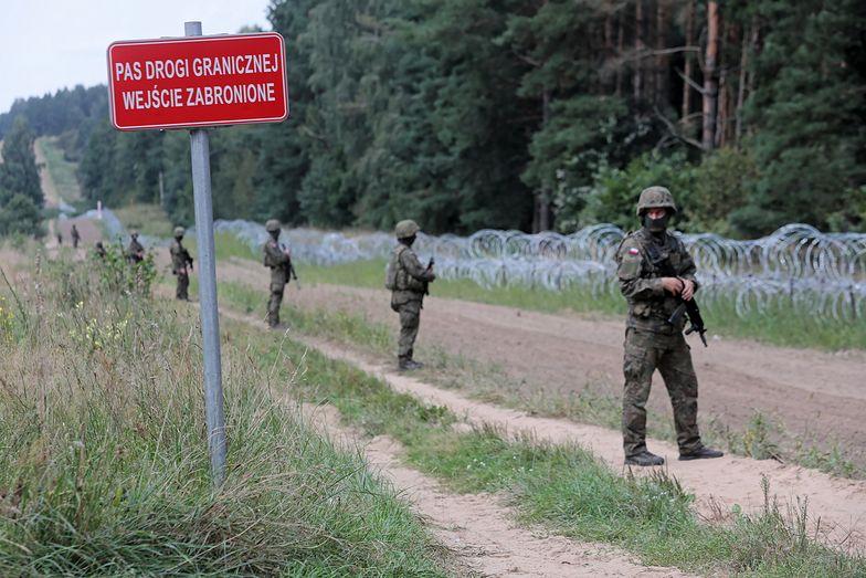Płot na granicy już powstaje. Wojsko nie dopuszcza mediów