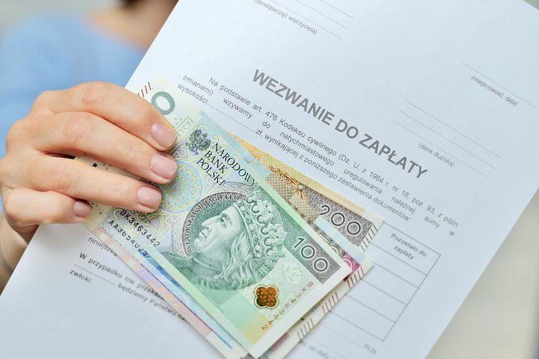 Kredyt dostanie niemal każdy. Polacy korzystają i zadłużają się na potęgę