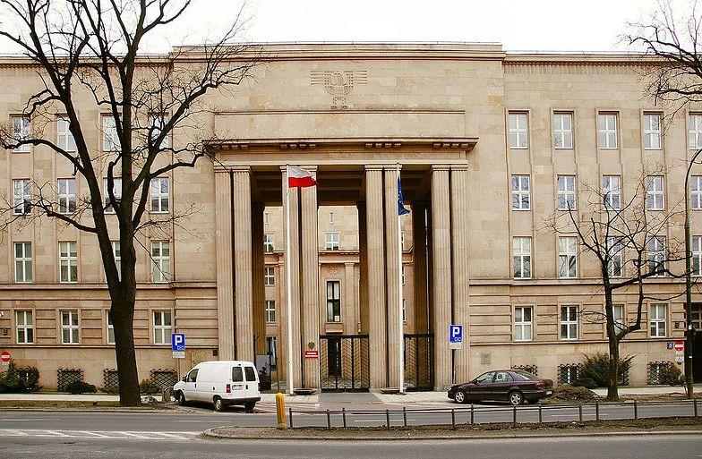 Ministerstwo Edukacji i Nauki. Pod jakim adresem znajduje się resort?