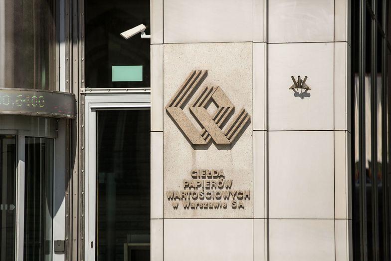 Giełda zawiesiła handel akcjami 10 spółek. Wśród nich właściciel sieci restauracji
