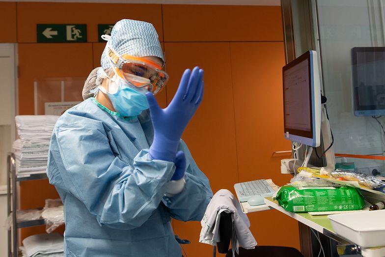 MZ: 506 nowych przypadków COVID-19, liczba zarażonych sięgnęła 30 701