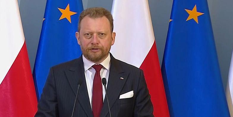 Łukasz Szumowski musiał odpowiedzieć na szereg pytań dot. zakupu respiratorów od handlarza bronią.