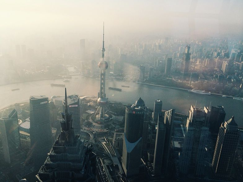 Chiny najwcześniej starły się z koronawirusem i odbudowują już gospodarkę. Europa nieprędko je dogoni