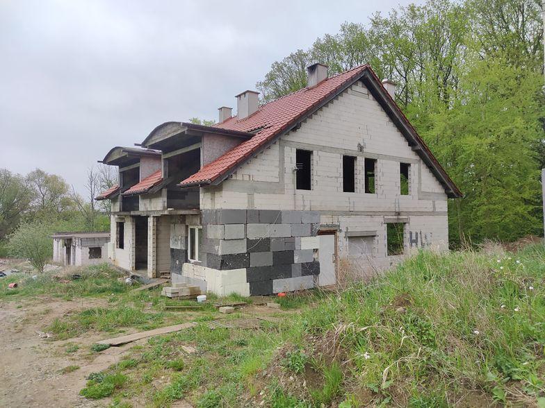Nigdy nie budowaliśmy tylu domów jednorodzinnych. Koszt zbliżony do kupna mieszkania w stolicy