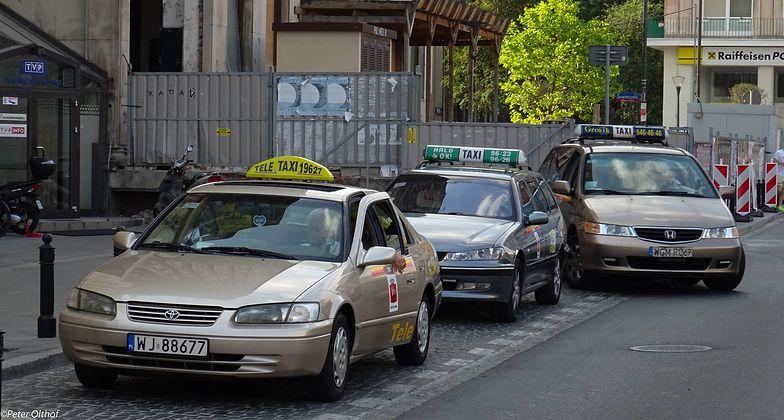 Zakaz przemieszczania się w sylwestra. Czy taksówki wyjadą na ulicę?