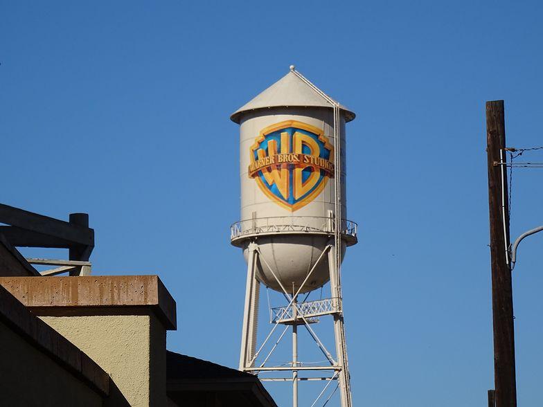 Warner Bros. wykorzystał zdjęcie przypadkowego mężczyzny w filmie. Ten pozwał firmę o 250 tys. euro