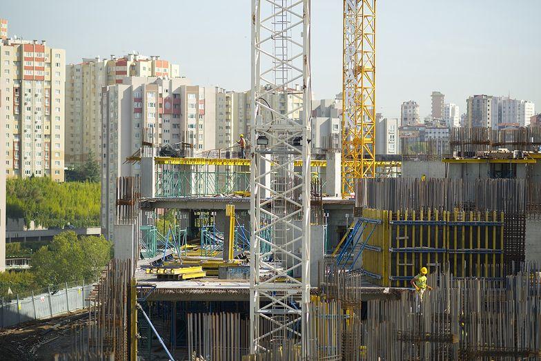 Gdyby praca zdalna została, atrakcyjność mieszkań w dużych miastach mogłaby spaść