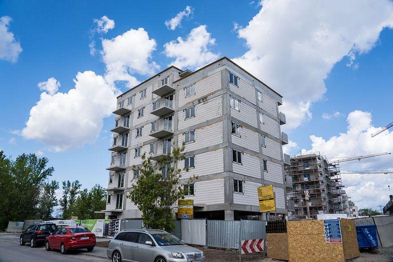 W trzydziestoletniej historii gospodarki rynkowej w Polsce oddano do użytkowania ponad 3,7 mln mieszkań.