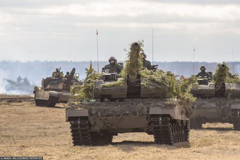 Orzysz. Spotkanie z żołnierzami 15. Giżyckiej Brygady Zmechanizowanej oraz żolłierzami z USA, Wielkiej Brytanii, Rumunii i Chorwacji tworzącymi Wielonarodową Batalionową Grupę Bojową NATO