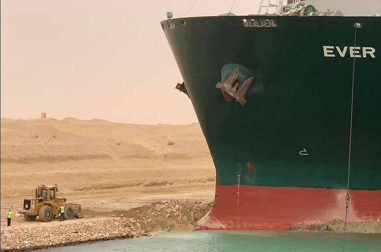 Kanał Sueski zablokowany nawet na miesiąc. To katastrofa dla globalnego handlu