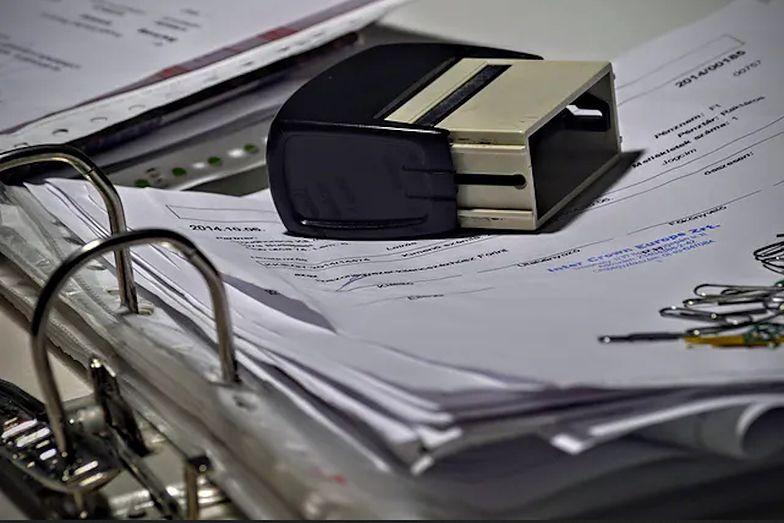 Przedsiębiorcy szukają pomocy w przebrnięciu przez trudy wnioskowania o subwencję.