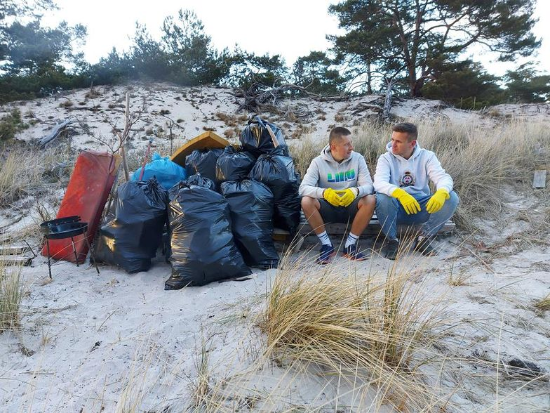 Posprzątali za darmo 5 km helskiego wybrzeża. Miasto nie chciało odebrać śmieci