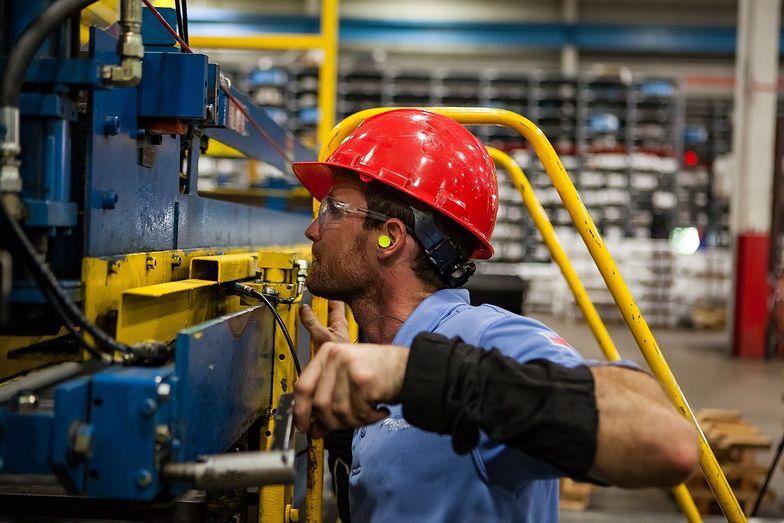 PMI dla przemysłu wystrzelił w górę. Najwyższy poziom od dwóch lat.