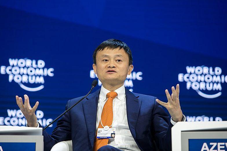 Miliardowa kara od władz spłynęła po chińskim gigancie. Kurs wystrzelił
