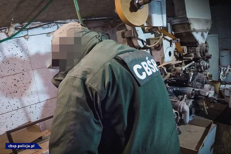 Akcja CBŚP. Zlikwidowano fabrykę papierosów