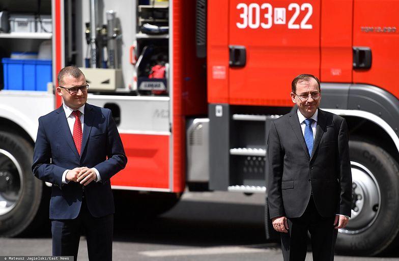 Kolejne 49 wozów strażackich trafi do gmin w Polsce. To efekt akcji mobilizującej wyborców, przeprowadzonej przez resort spraw wewnętrznych