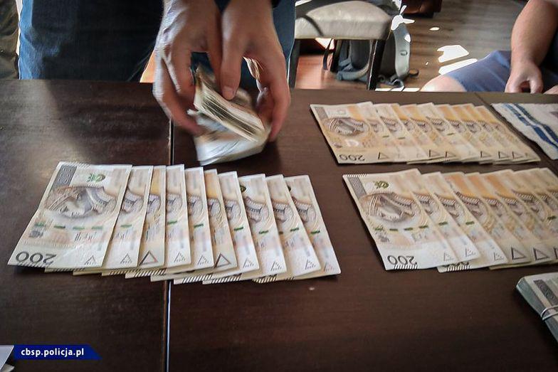 CBŚP zatrzymało 9 osób, z czego dwie aresztowano.