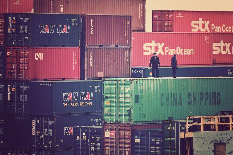 Handel zagraniczny. Chiny najwięcej zyskały na pandemii
