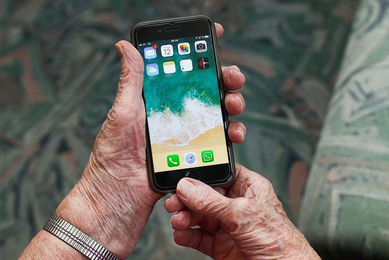z Braku innego wyjścia seniorzy szybko przestawili się na nowe technologie