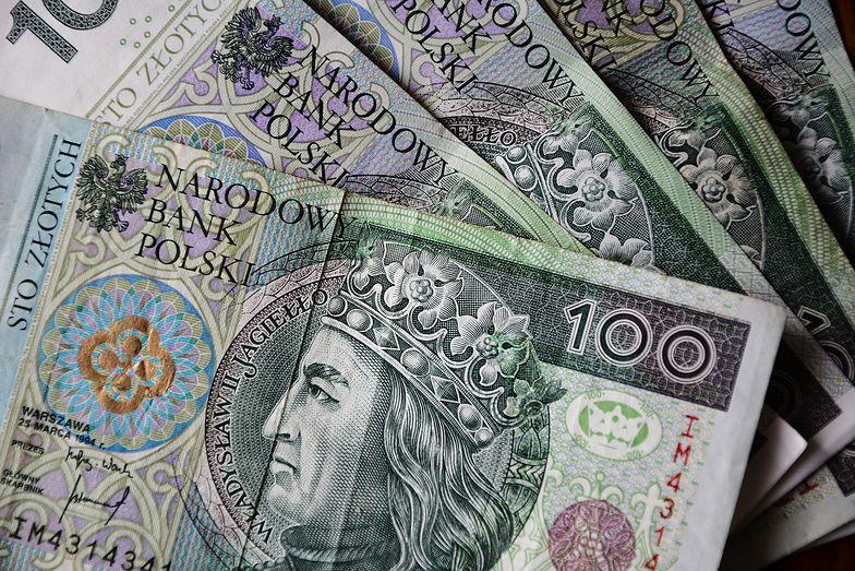 Pensja minimalna. Wzrost wyniesie jedynie 200 złotych. Co ze stawką godzinową?