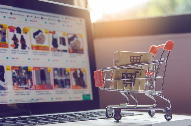 92% Polaków kupujących online, zakupy w Internecie robi raz w miesiącu lub częściej