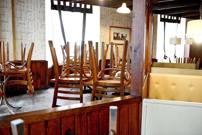 Od poniedziałku 18 maja restauracje i bary od znów zostać otwarte.