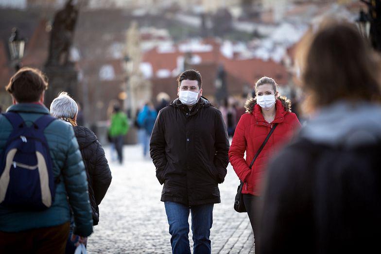 Rok z koronawirusem. Sześć przykładów, jak pandemia na zawsze zmieniła gospodarkę