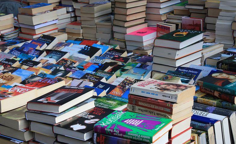 Książki nie są towarem pierwszej potrzeby, nic więc dziwnego, że ich sprzedaż gwałtownie spadła w czasie pandemii