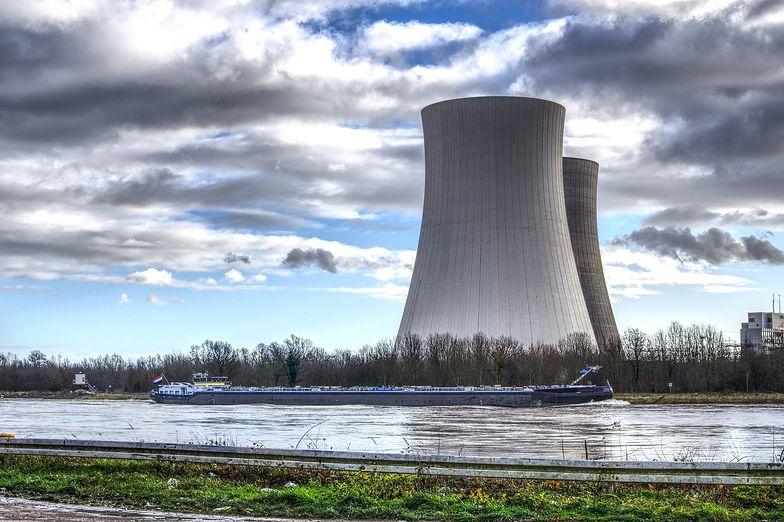 Naimski o rządowym programie: 6 reaktorów jądrowych