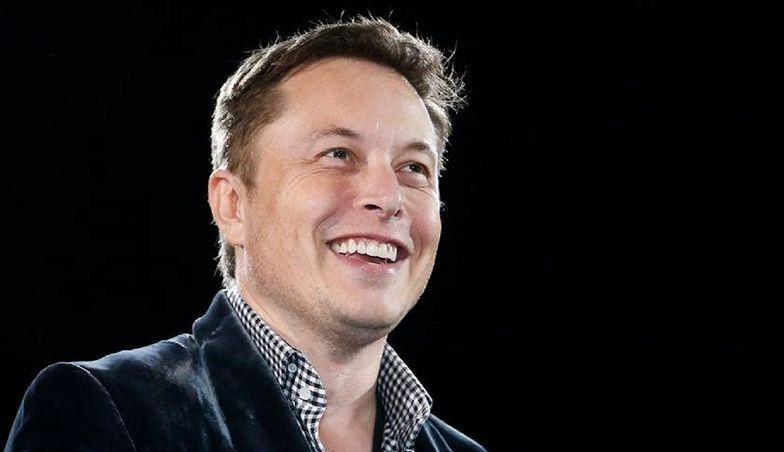 100 mln dolarów od Elona Muska. Pieniądze mogą przejść Polakom koło nosa