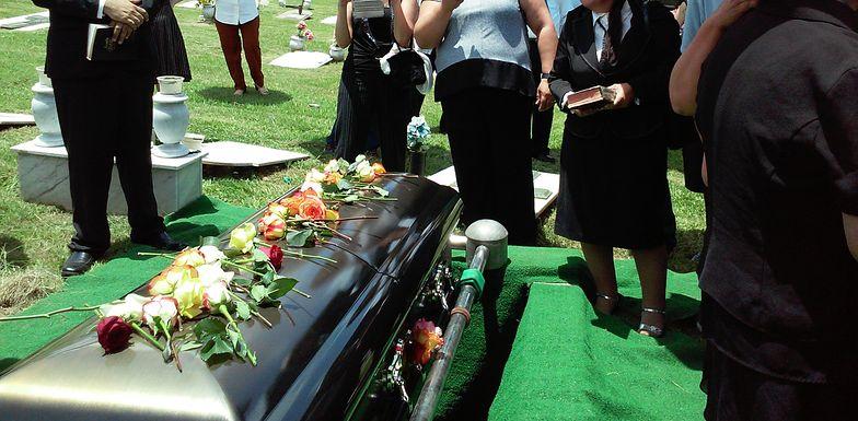 Odprawa po śmierci rodziców