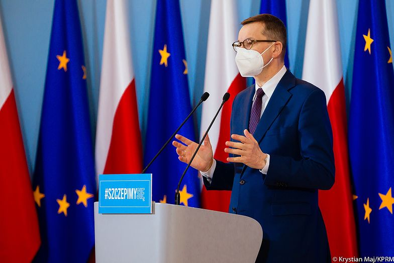 """Konferencja premiera Morawieckiego. Rząd zaostrza lockdown. """"Zbliżamy się do granicy wydolności"""""""