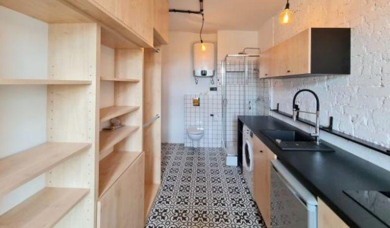 Toaleta w kuchni. Znajdziesz też tam prysznic. Nowy wymiar patowynajmu