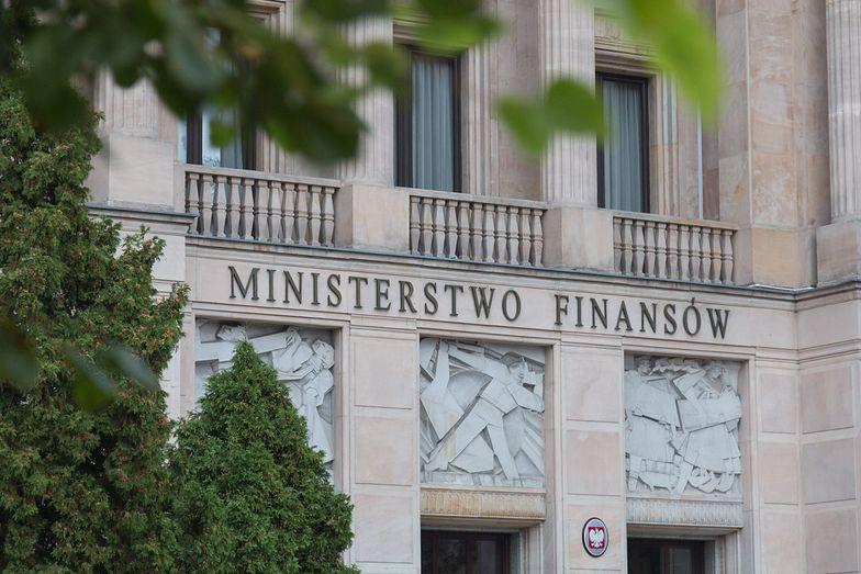 Podatek u źródła. Ministerstwo Finansów zapowiada dokończenie prac