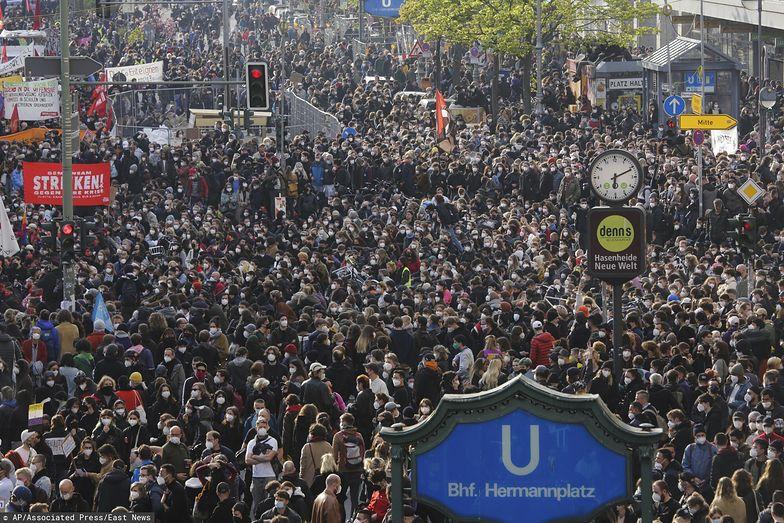 """""""Godne potępienia"""". Niemcy podsumowują gigantyczne protesty"""