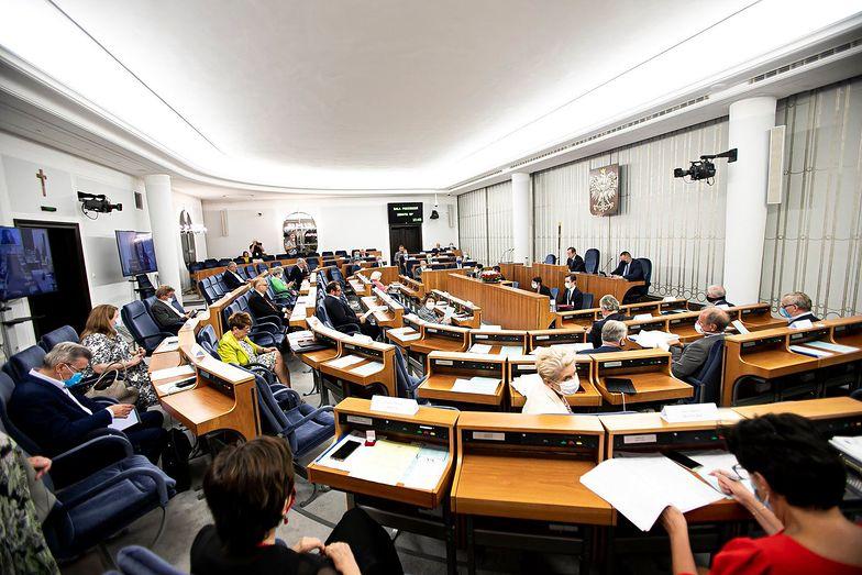 Senat odrzuca ustawę o podwyżkach dla polityków