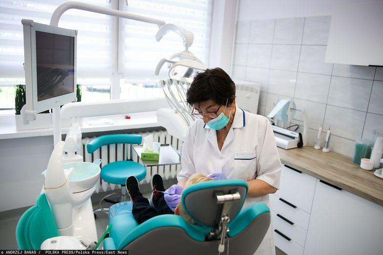 Dentyści dziecięcy w trudnej sytuacji. Długi wobec NFZ nawet na kilkaset tysięcy