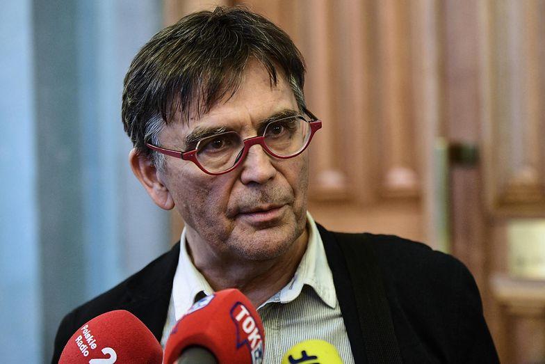 Wiceprezes ZNP Krzysztof Baszczyński (na zdjęciu) wskazuje brakujące informacje po konferencji MEN.