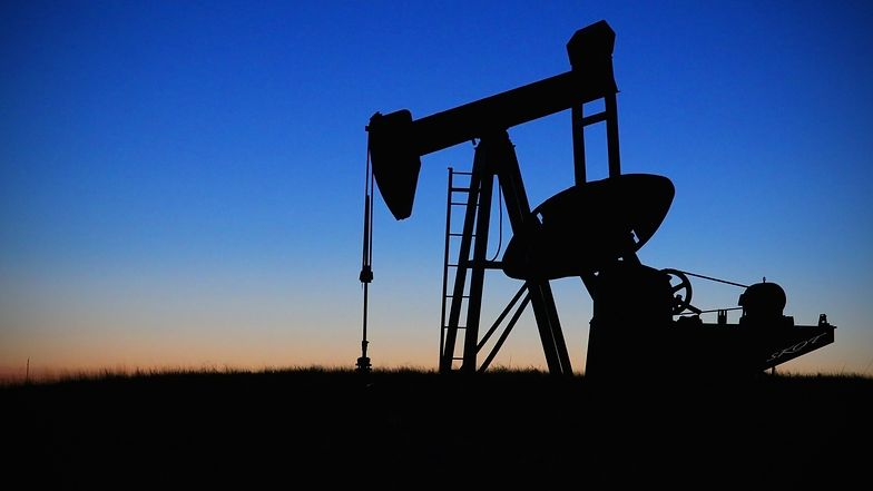 Coraz mniej ropy z Rosji. Rośnie import z innych kierunków.