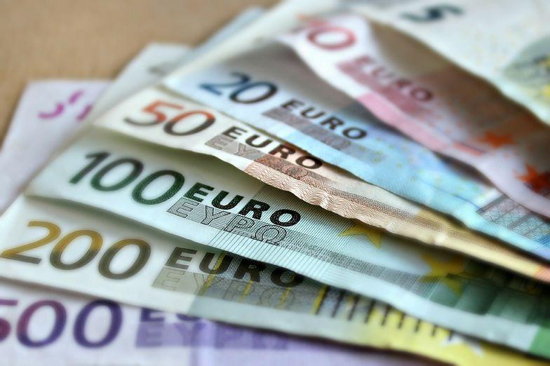 Kursy walut. Eurodolar poniżej ważnego wsparcia