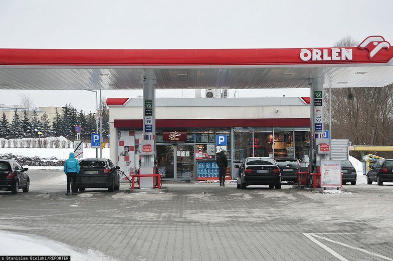 """Benzyna po 5 zł? To cena """"powrotu do normalności"""" po COVID-19"""