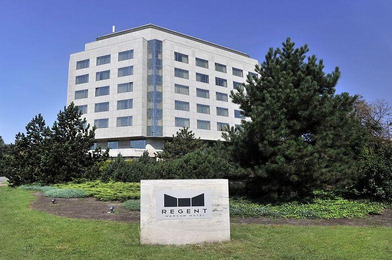 """Polski Holdng Hotelowy przejmuje hotel Regent. Prezes mówi o """"fake newsach"""""""