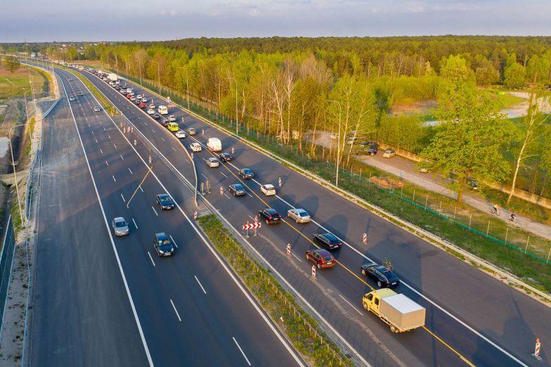 Kierowcy dostaną niewiele nowych dróg na te wakacje.