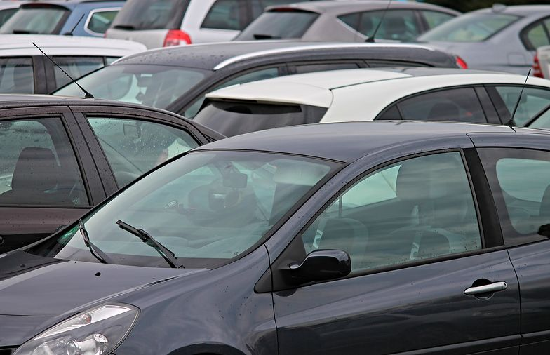 Niemiec już nie sprzedaje auta. Rynek samochodów używanych skurczył się