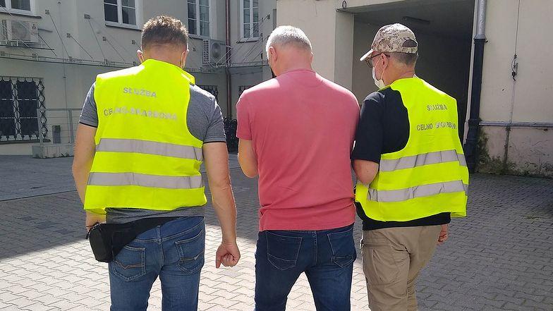 Wyłudzenia VAT. KAS i Policja rozbiły grupę przestępczą