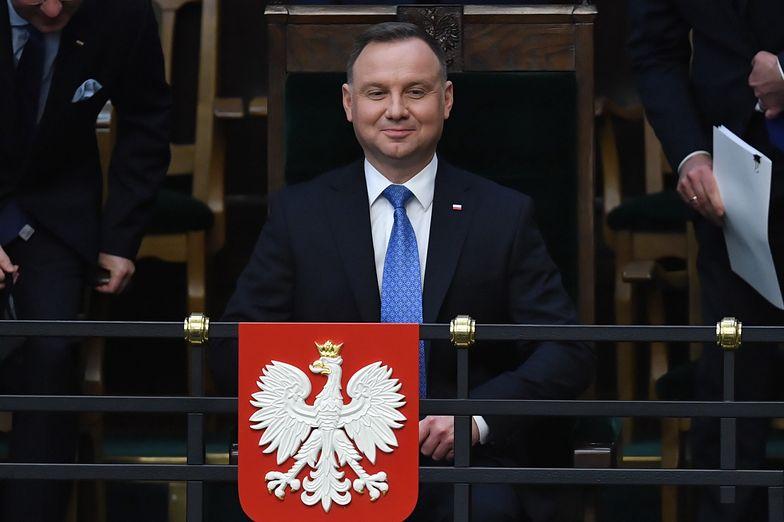 Prezydent Andrzej Duda złożył w środę w Sejmie projekt ustawy o dodatku solidarnościowym.